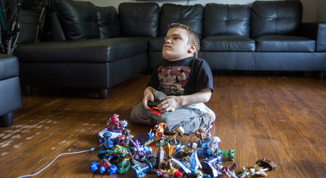 美国18岁少年患罕见侏儒症