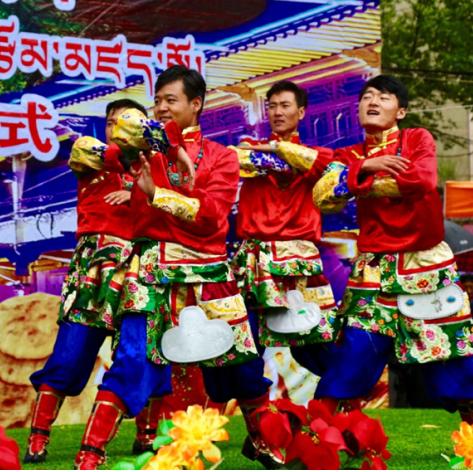 """青海热贡文化旅游节—""""2019同仁热贡美食文化节""""盛大开幕"""