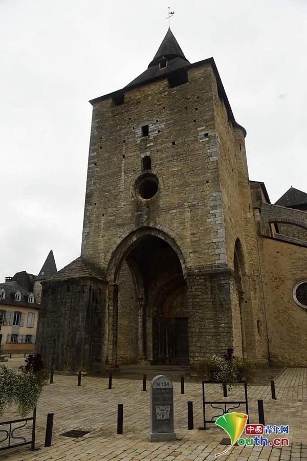 法国一被列入世界文化遗产名录教堂遭打劫