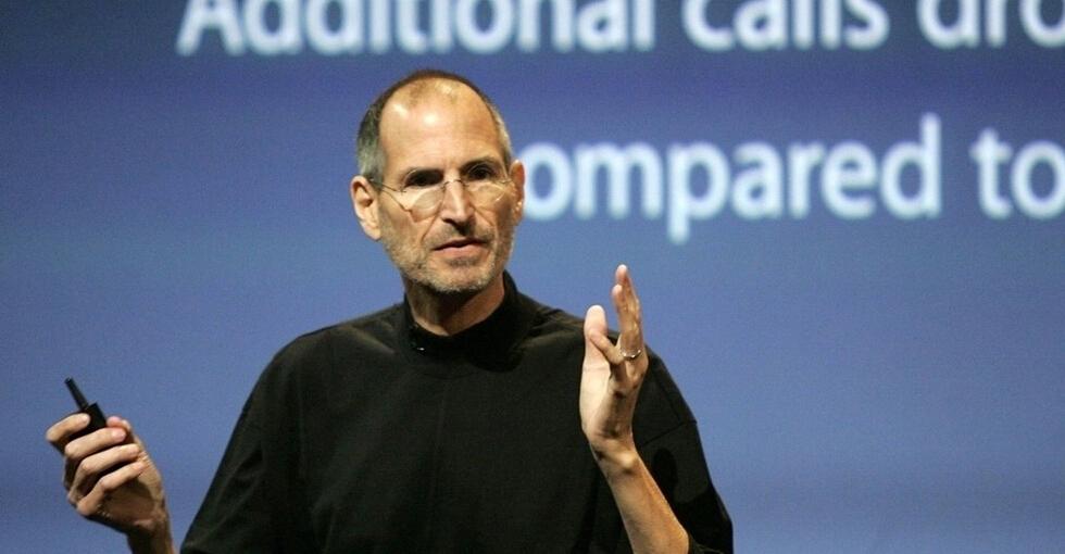 苹果公司将为用户更换被压弯的iPhone
