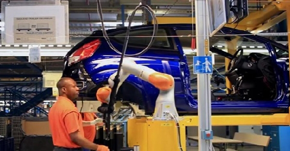 科技大事件:福特在德国测试合作机器人