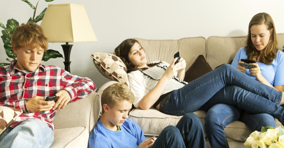 科技大事件:Facebook推出面向青少年的社交软件
