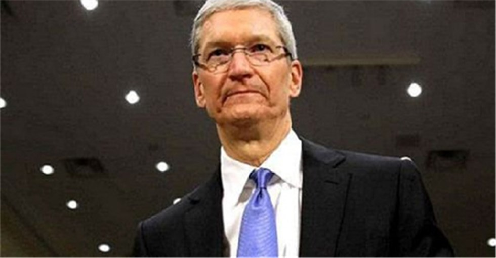 科技大事件:库克出任苹果CEO满5年 开启1亿美元股票奖励